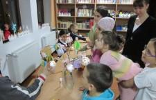 Carti si jucarii pentru copiii de la Centrul Sf. Sofia