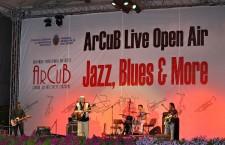 Luna iulie incepe cu ritm de jazz