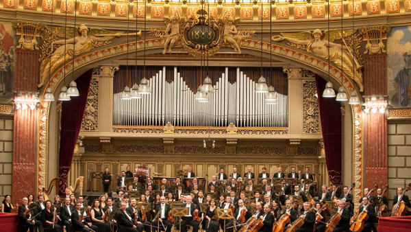 """""""Clasic e fantastic. Cum să înțelegem muzica"""" în luna noiembrie, la Ateneul Român"""